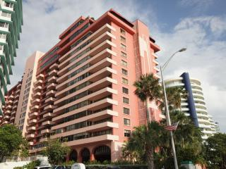 Beautiful Apartment in Gorgeous Building-Suite 517, Miami Beach