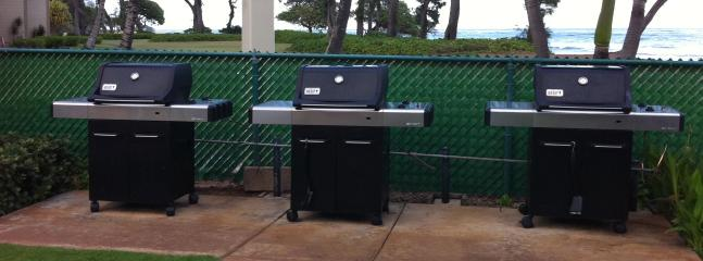 gas bbq grills in pool area