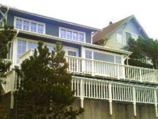 Beach Treasure...ocean views from every room!, Oceanside