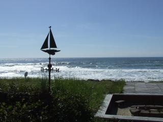 Seafarer's Cabin,beachfront with Crows Nest,Oregon, Rockaway Beach