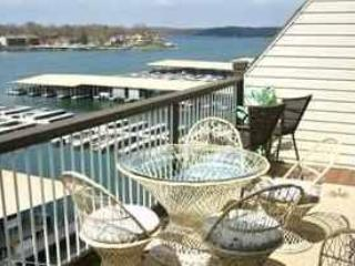 3 Bedroom 2 Bath Right on the Water, at THE LEDGES,TOP FLOOR WALK-IN--NO STEPS!, Osage Beach