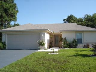 Wayne - lovely home with pool mins to everything, Rotonda West