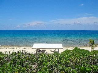 Cayman Brac Paradise w 330ft of private oceanfront, Caimán Brac