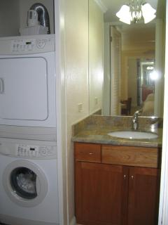 Punaluu 315 19Washer-Dryer