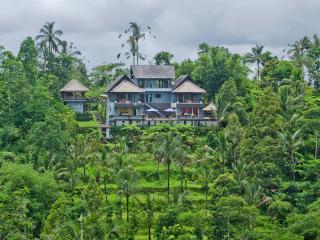 Hillside Eden – Private Estate with Amazing Views, Payangan