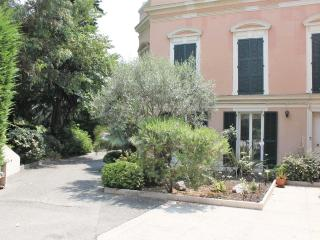 SPACIOUS 2 BEDROOM GROUND FLOOR APARTMENT IN NICE AT ONLY 150 M FROM BEACHFRONT