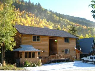 Colorado deals can't be beat while staying at Ski Town Condos on Monarch Pass.
