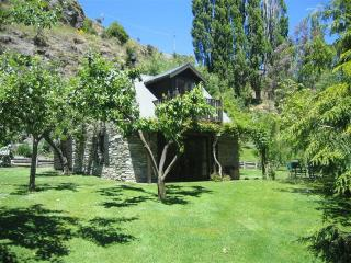 Trelawn Riverside Cottages, Queenstown