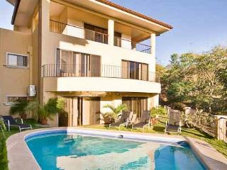Wonderfull large multi-level home great for families and large groups, Tamarindo