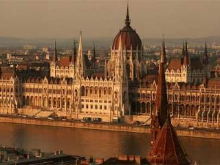 Parliament Prestigious   downtown 1-5 pers. wifi, Budapest