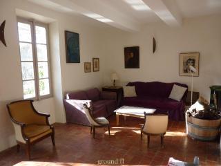 Lovely Vineyard House in the heart of Provence, Va, Vacqueyras