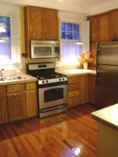 Fully Equipped GOURMET KITCHEN w ALL NEW APPLIANCES & Plantation Window Shutters