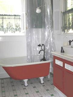 Original CLAWFOOT TUB, Ceramic Tile Floor. Luxurious Heavy Towels.