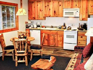 Cabin-style condos right on lake with pool, Tahoe Vista
