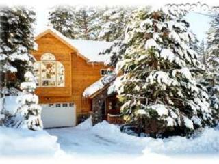 Charming Lake Tahoe Home 4 bdrms, near sandy beach, Tahoe Vista