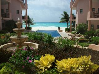 Luxury Penthouse w/ Private Roof Top.Best on Beach, Playa del Carmen