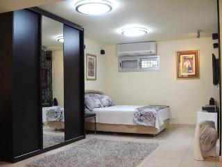 vacation rental suite apartment, Tel Aviv