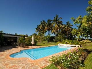 pool of villa la cocoteraie