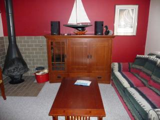 Harbor Springs 3 bdrm. condo on golf course