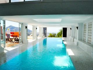 Spacious apt w/private covered heated pool, Gaucín