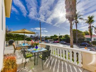 La Jolla Escape:  4 Bedroom Home in heart of Village. Walk to shops!