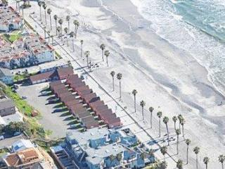 Beautiful Beach Rental at Roberts Cottages #20, Oceanside