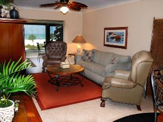 Luxury Romantic Oceanfront Siesta Beach Condo #304