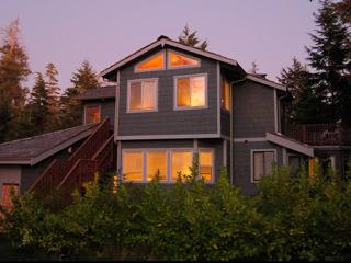 Nalu House Groundswell Suite, Tofino