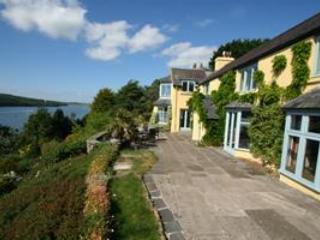 Five Star Luxury Retreat Sleeps 12 - Indoor Pool, Pembroke Dock