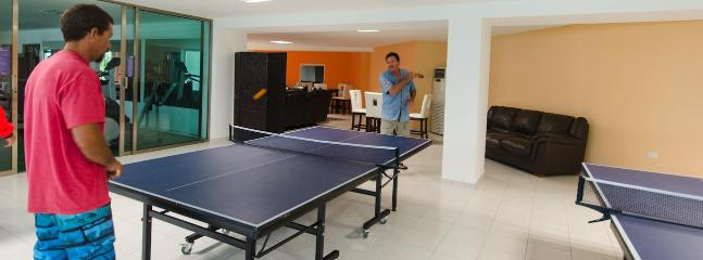 Casa Club, Ping - pong tables