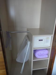 Safe / Wardrobe