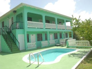 Belle Kaye Apartments & Villa