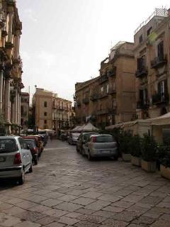 Olivella Square