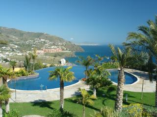 Lovely house, amazing views, fine location & pools, Almunecar