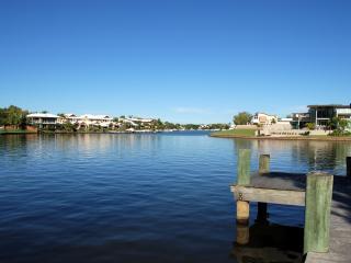 Noosa Entrance Waterfront Resort, Noosaville