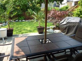 Patio set with seating for 6 and umbrella