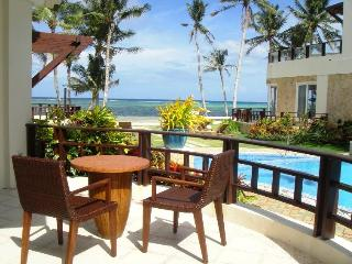 Boracay - Luxury two bedroom beach front apartment, Borácay