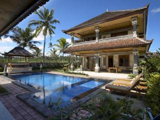 6-Bedroom at Villa Agung Khalia - Great for Groups, Ubud