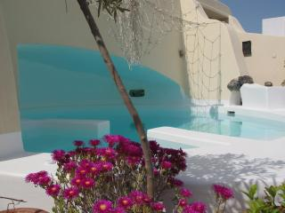 House for 2-12 Persons near Oia with Jacuzzi