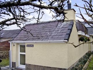DAMAVAND, country holiday cottage, with a garden in Caernarfon, Ref 1446