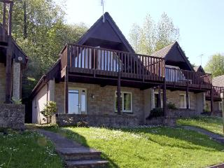 NO 50 VALLEY LODGE, pet friendly, country holiday cottage in Gunnislake Near