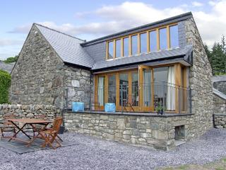 Y BEUDY, family friendly, luxury holiday cottage, with a garden in Trawsfynydd,