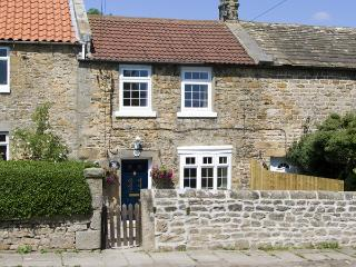 PEACE COTTAGE, pet friendly, character holiday cottage, with a garden in Stainto