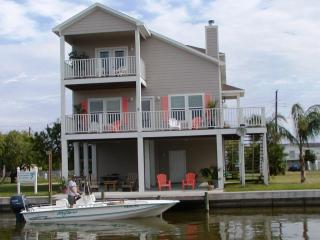 Coastal Class Waterfront Fishing, Beach, Private Pool, Rockport