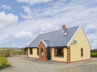 EDEN LODGE COTTAGE, family friendly, country holiday cottage, with a garden in E