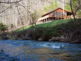 Creek View Cabin, A Cozy Peaceful Mountain Retreat, Hot Springs