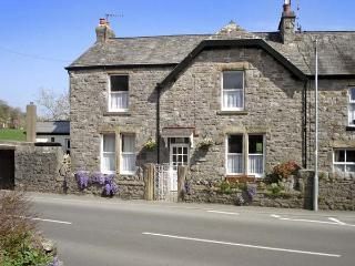 RIVERSIDE VIEW, pet friendly, country holiday cottage, with a garden in Cark In