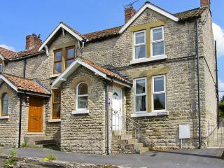 WAYSIDE COTTAGE, family friendly, country holiday cottage, with a garden in