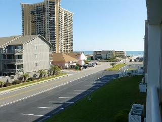 Nice & Convenient 2 Bedroom with Balcony and Pool - Shore Drive, Myrtle Beach