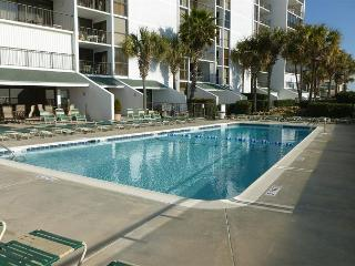 Sunny Cheerful Oceanfront Property Brigadune #8E Shore Dr Myrtle Beach SC